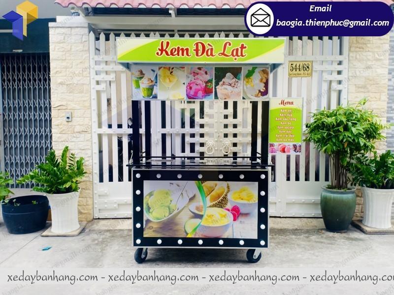 xe bán kem dừa