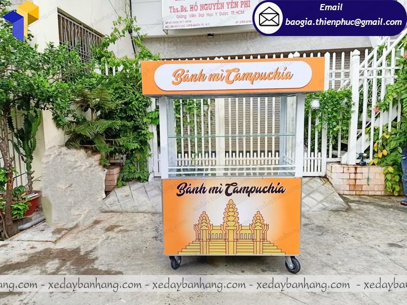 tủ sắt bán bánh mì